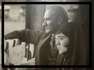 """Latife Hanım ve Paşa-3 : Ne Mutlu """"İnsan'ım"""" Diyene!"""